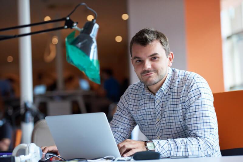 10 Idei De Afaceri Profitabile Pentru Tineri In 2021